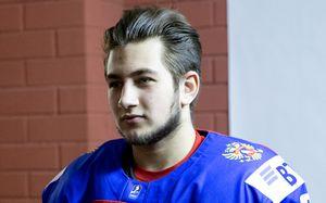 Ротенберг— худший игрок юниорской сборной России. Онпроваливает чемпионат мира
