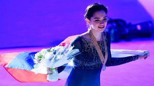 Как Евгения Медведева стала главной фигуристкой мира. Вспоминаем дебют двукратной чемпионки планеты наГран-при