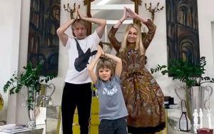 Плющенко, Рудковская иГном Гномыч станцевали под «Рашн карантин» врусском народном стиле: видео
