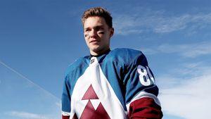 Вернувшийся из НХЛ Каменев подписал контракт со СКА
