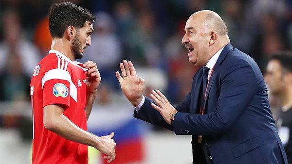 «Многие кричат, что наши футболисты не хотят в Европу. Это неправда». Оздоев — о тактике, конкуренции и будущем