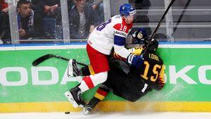 Финалист Олимпиады чуть несотворил сенсацию. Чехи вырвали победу, усадив взапас партнера Овечкина
