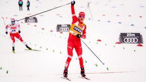 Большунов второй год подряд выиграл главный марафон сезона вОсло. Нафинише онобогнал норвежца Крюгера
