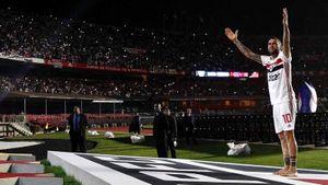 Это не концерт Metallica и даже не дерби. На презентацию Дани Алвеса в «Сан-Паулу» пришли 45 тысяч