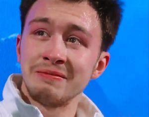 Чемпион Европы Алиев разрыдался при объявлении оценок: трогательное видео