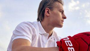«Свечников написал, что могу обращаться в любое время». Интервью Пономарева, выбранного на драфте «Каролиной»
