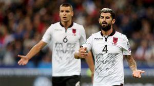 Сборной Албании по ошибке поставили гимн Андорры, а извинились перед армянами. Главное в отборе Евро