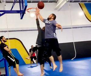 «Майкл Джордан, где ты?» Хабиб Нурмагомедов сыграл в баскетбол