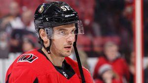 Он играл с Панариным, а теперь не проходит в состав худшего клуба НХЛ. Что не так с русским центром Анисимовым