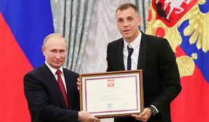 Губерниев — о словах Путина про повышение налога: «Эх, попали футболисты и хоккеисты! Затяните пояса, родимые»