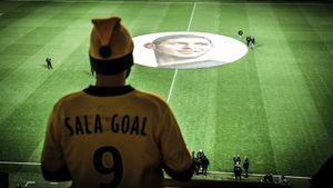 «Нант» сыграл первый матч после трагедии Салы. Слезы тренера, чудесный баннер, специальные футболки