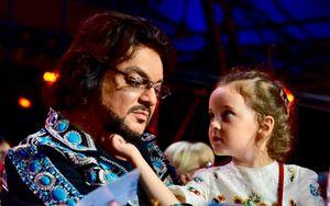 «Алла-Виктория была влюблена в Плющенко». Киркоров объяснил, почему увел дочь из фигурного катания