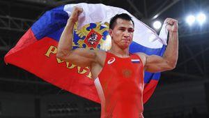 Легендарный русский борец выиграл финал ЧЕ за минуту. Сборная победила в общем зачете