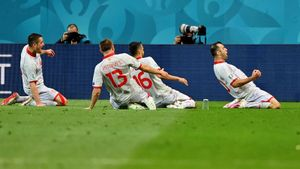 Партнер Шомуродова протащил свою сборную на Евро впервые в истории и уже забил гол. Уникальный Пандев: ему почти 38
