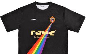 Французский бренд стилизовал эмблему ЦСКА для футболок в поддержку ЛГБТ-меньшинств: фото
