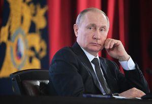 Путин— опанике из-за коронавируса: «Главное, чтобы люди нетратились напродукты, которые придется выбрасывать»