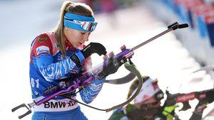 Русская биатлонистка прошла масс-старт без штрафа, но финишировала 3-й с конца. Зачем ее так мучили?