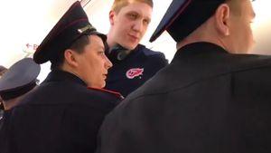 «Хочет подраться, ездит за мной». Волейболист Кимеров атаковал водителя каршеринга в Москве: видео