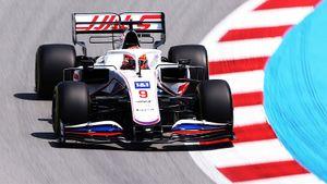 Русский дебютант Формулы-1 опередил легендарного Хэмилтона. Как Мазепин показал лучший результат сезона