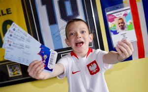 Самая милая история ЧМ. 6-летний мальчик выиграл билет на финал, подружившись с фанатами соперника