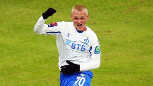 Тюкавин продлил с «Динамо» контракт на три года