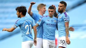 «Сити» закатил «Бернли» 5 голов. Чемпионство «Ливерпуля» отложили