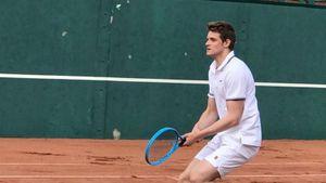 «Круто, захватывающе, интересно и динамично!» Фигурист Козловский впервые в жизни сыграл в теннис: видео