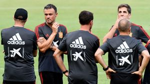 Луис Энрике больше не тренер сборной Испании. Его заменит ноунейм