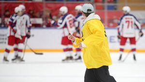КХЛ рассматривает эпизод с выходом на лед болельщика в матче «Спартак»— ЦСКА