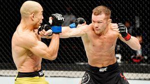 Петр Ян избил Жозе Альдо и стал новым чемпионом UFC из России! Защиты Усмана и Волкановски. Как это было