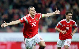 Черчесов допустил, что Дзюба и Жирков могут завершить карьеру в сборной России