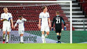 Комичный гол в Лиге Европы: 2 защитника «Копенгагена» столкнулись, 3-й забил в свои ворота: видео
