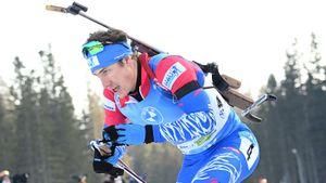 Латыпов стал победителем гонки преследования на чемпионате России по биатлону. Логинов финишировал 16-м