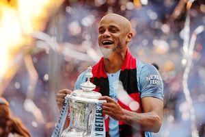 «Манчестер Сити» объявил об уходе Компани