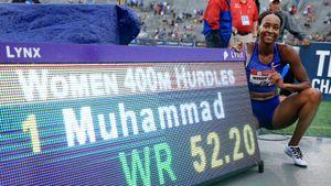 Пал мировой рекорд, принадлежавший России 16 лет. Его побила американская бегунья Мухаммад