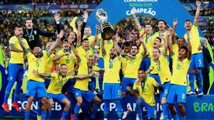 Бразилия в меньшинстве взяла Кубок Америки. У Жезуса хет-трик: гол, ассист и удаление