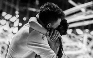 «Для меня ты герой и звезда». Олимпийская чемпионка Ильиных обняла Топалова на «Ледниковом периоде»