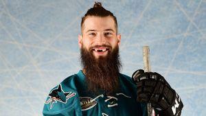 «Зажав кобеля в углу, хотел укусить его. Пришлось зашивать голову». Безумные истории бородача из НХЛ