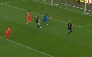 Журналист Sport24 Дмитрий Егоров забил гол за «Амкал» в шоу-матче против «Урала»: видео