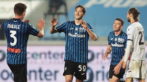 «Аталанта» разгромила «Кротоне», Миранчук вышел на 63-й минуте и забил гол