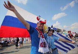 Смолов и ультрас, Путин и Ким, поевший сын и та самая фанатка в кокошнике. Лучшие фото 12-го дня ЧМ