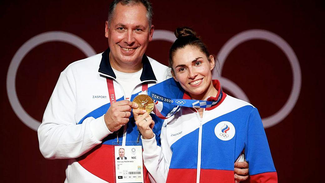 Бой с отцом, гимн России и Тутберидзе. Откровенная героиня Олимпиады Позднякова сразу после награждения