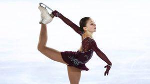 Софья Самоделкина выиграла финал Кубка России, опередив учениц Тутберидзе. Она исполнила триксели