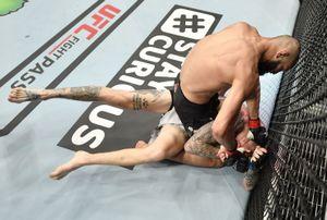 Чеченский боец Чимаев побил двух соперников в UFC за 10 дней. Его называют «шведским Хабибом»