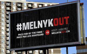 Четыре билборда на улицах Оттавы, Онтарио. Как в НХЛ пытаются уволить президента клуба