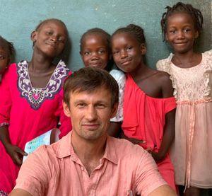 «Невероятные воспоминания». Семак поделился впечатлениями отпосещения Африки