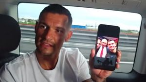 Ловрен показал фото с Путиным и Модричем: «Лука просто залез в кадр»