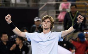 Рублёв одолел Чорича и вышел в финал молодёжного Итогового турнира ATP