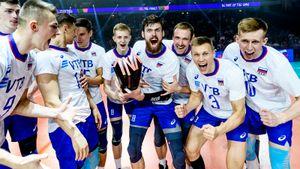 Главные фото победы России над США в Лиге наций: качание финского тренера, обнимашки с трофеем