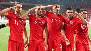 Сборная Турции отпраздновала гол воинским приветствием. Теперь будут проблемы с УЕФА